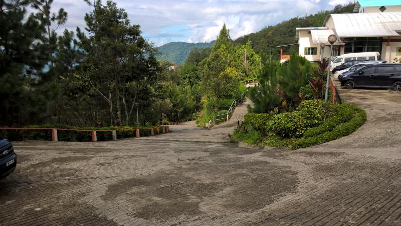 celyn-resort-kinabalu-road